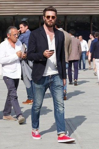 How to wear: red plimsolls, blue ripped skinny jeans, white henley shirt, black blazer