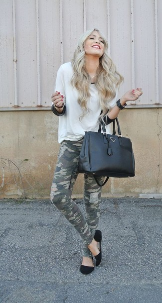 How to wear: black suede ballerina shoes, olive camouflage skinny jeans, black chiffon long sleeve blouse, white crew-neck sweater