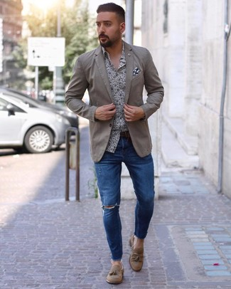 Men's Tan Suede Tassel Loafers, Blue Ripped Skinny Jeans, White and Navy Floral Long Sleeve Shirt, Beige Blazer