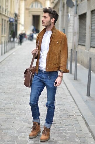 How to wear: brown leather casual boots, blue skinny jeans, white long sleeve shirt, brown suede shirt jacket
