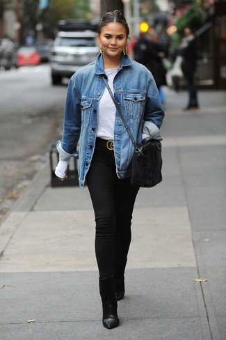 How to Wear a Black Suede Belt For Women: If you love relaxed casual combinations, then you'll appreciate this combo of a blue denim jacket and a black suede belt. Black leather ankle boots are a surefire way to bring a hint of elegance to your look.