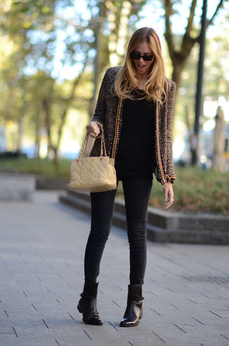 How to wear: dark brown leather ankle boots, black skinny jeans, black long sleeve t-shirt, brown tweed jacket