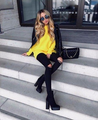 How to wear: black suede ankle boots, black ripped skinny jeans, yellow oversized sweater, black quilted leather biker jacket