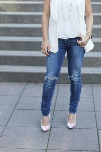 How to wear: pink leather pumps, blue ripped skinny jeans, white sleeveless top, white sleeveless blazer