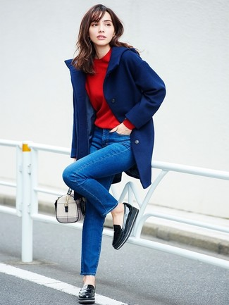 How to wear: black leather platform loafers, blue skinny jeans, red sweatshirt, navy coat
