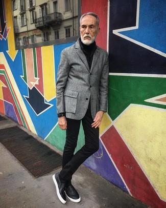 How to wear: black leather slip-on sneakers, black skinny jeans, black turtleneck, grey wool blazer