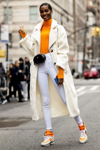 How to Wear White Socks For Women: Why not pair a white fleece coat with white socks? As well as super functional, these items look amazing when paired together. Orange high top sneakers will be a stylish companion for this outfit.