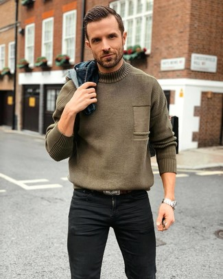 How to wear: dark brown leather belt, black skinny jeans, olive knit turtleneck, navy denim jacket