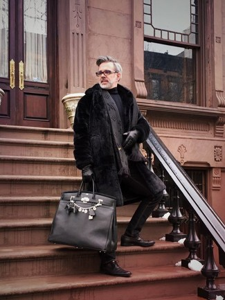 How to wear: dark brown leather derby shoes, black skinny jeans, black turtleneck, black fur coat