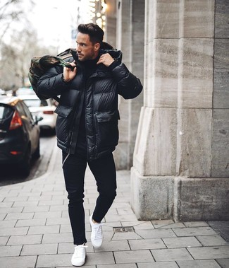 How to wear: white low top sneakers, black skinny jeans, black turtleneck, black puffer jacket