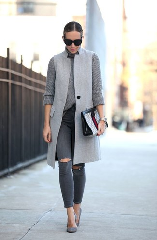 How to wear: grey suede pumps, charcoal ripped skinny jeans, grey knit turtleneck, grey sleeveless coat