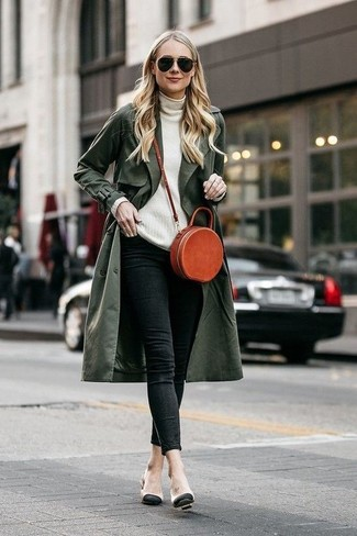 How to wear: beige leather pumps, black skinny jeans, white turtleneck, olive trenchcoat