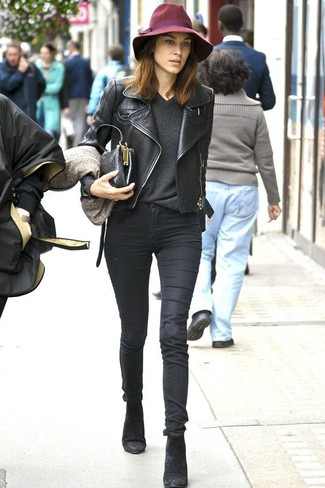 How to wear: black suede ankle boots, black skinny jeans, charcoal v-neck sweater, black leather biker jacket