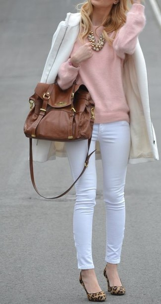 How to wear: tan leopard suede pumps, white skinny pants, pink crew-neck sweater, white coat
