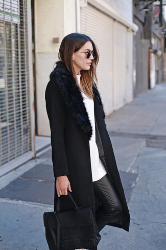 How to wear: black leather satchel bag, black leather skinny pants, white crew-neck sweater, black fur collar coat