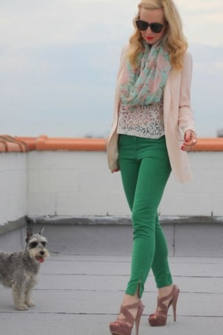 How to wear: brown suede heeled sandals, green skinny pants, white lace crew-neck t-shirt, beige blazer