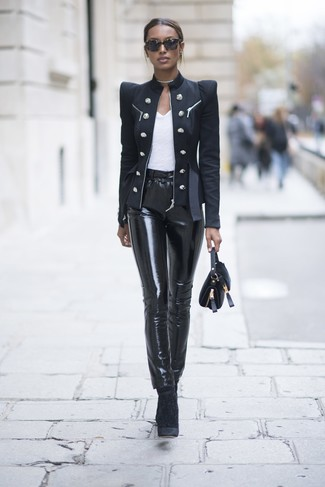 How to Wear a Black Double Breasted Blazer For Women: This pairing of a black double breasted blazer and black leather skinny pants is perfect when you need to feel confident in your ensemble. If you're wondering how to round off, add a pair of black velvet ankle boots to the mix.