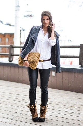 How to Wear Black Leather Skinny Pants: Go for a black leather biker jacket and black leather skinny pants to create a chic outfit. Complete this look with a pair of brown leather snow boots to infuse a touch of casualness into this outfit.