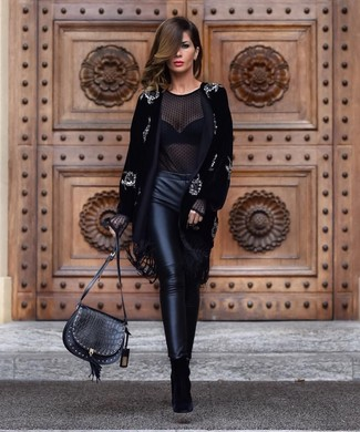 How to Wear Black Leather Skinny Pants: Want to infuse your closet with some effortless cool? Try pairing a black embellished velvet coat with black leather skinny pants. When in doubt about the footwear, throw black suede ankle boots into the mix.