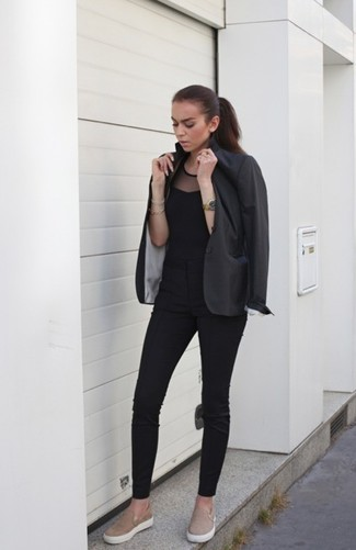 How to wear: tan suede slip-on sneakers, black skinny pants, black mesh sleeveless top, charcoal blazer
