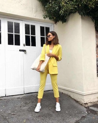 How to wear: white athletic shoes, yellow skinny pants, white tank, yellow blazer