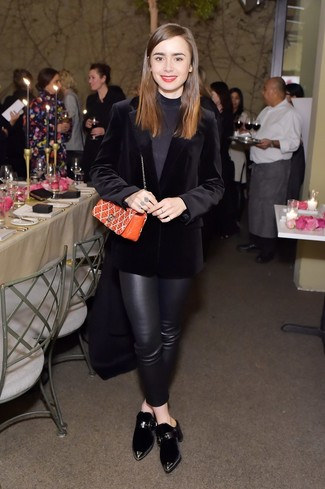 How to wear: black velvet mules, black leather skinny pants, black turtleneck, black velvet blazer