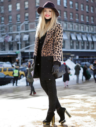 How to wear: black suede ankle boots, black skinny pants, black turtleneck, brown leopard coat