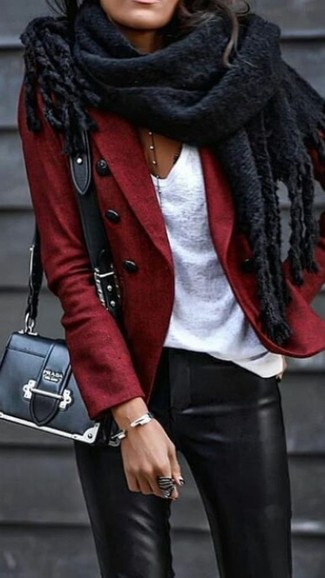 How to wear: black leather crossbody bag, black leather skinny pants, white v-neck t-shirt, red wool blazer