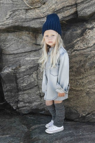 How to wear: navy beanie, white sneakers, grey denim long sleeve shirt, grey dress