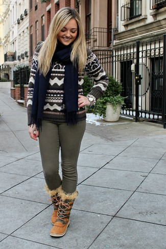 How to wear: navy scarf, tan snow boots, olive skinny jeans, brown fair isle crew-neck sweater