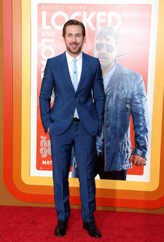 Ryan Gosling wearing Navy Suit, White Dress Shirt, Black Leather Oxford Shoes, Light Blue Tie