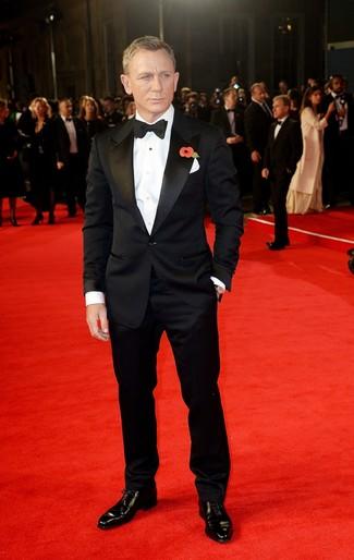 Daniel Craig wearing Black Suit, White Dress Shirt, Black Leather Oxford Shoes, Black Bow-tie