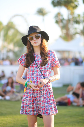 How to wear: green bracelet, grey sunglasses, black hat, white and red plaid skater dress