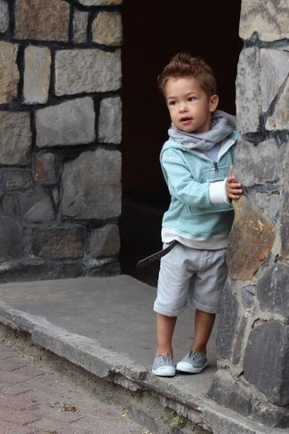 How to wear: mint sweater, grey t-shirt, grey shorts, grey sneakers
