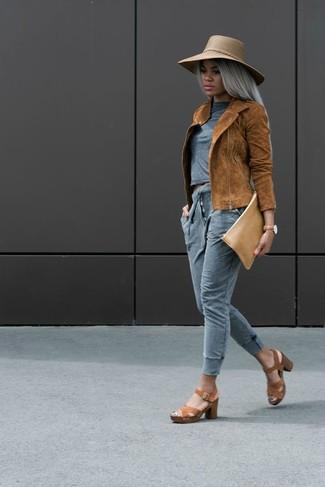 How to wear: brown leather heeled sandals, grey sweatpants, grey crew-neck t-shirt, tobacco suede biker jacket