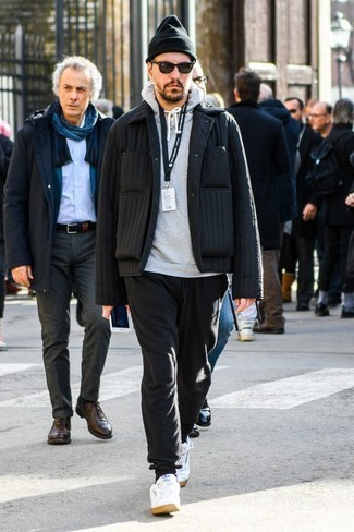 How to Wear Black Sweatpants For Men: If you're scouting for a laid-back and at the same time stylish ensemble, dress in a black quilted shirt jacket and black sweatpants. On the shoe front, this ensemble pairs perfectly with white leather low top sneakers.