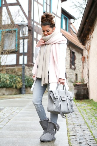 How to wear: light blue skinny jeans, white sweatshirt, white fur vest, pink shawl