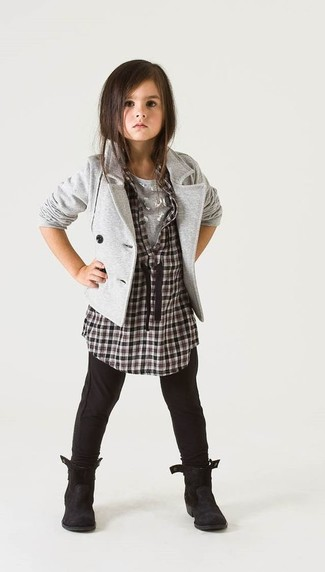 How to wear: black leggings, grey t-shirt, black and white check long sleeve shirt, grey blazer
