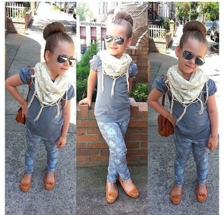 How to Wear a White Scarf For Girls: Your daughter will look extra cute in a grey t-shirt and a white scarf. Tan ballet flats are a nice choice to round off this outfit.