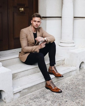 How to wear: tan blazer, black crew-neck t-shirt, black chinos, brown leather oxford shoes
