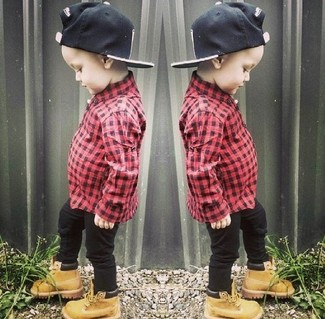 How to wear: black baseball cap, tan boots, black jeans, red long sleeve shirt
