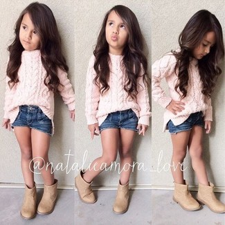 How to wear: tan boots, navy denim shorts, pink sweater