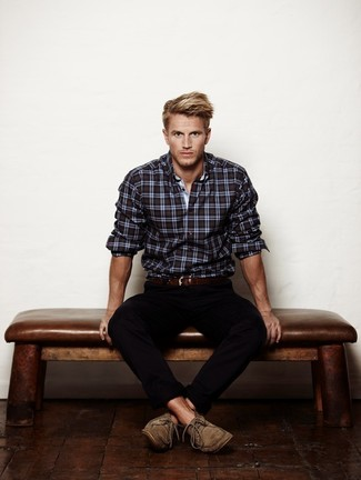 How to Wear a Black Plaid Long Sleeve Shirt For Men: Wear a black plaid long sleeve shirt and black chinos for a relaxed getup with a contemporary spin. Feeling transgressive? Change up this getup by finishing with tan suede derby shoes.