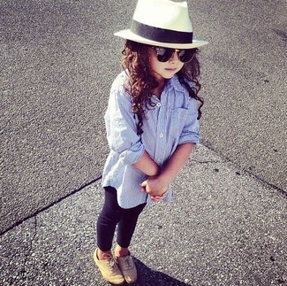 How to wear: white hat, tan oxford shoes, black leggings, light blue long sleeve shirt