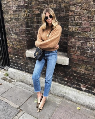 How to wear: black quilted leather crossbody bag, tan leopard suede pumps, blue jeans, tan crew-neck sweater