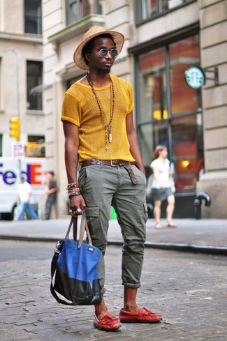 How to wear: blue canvas tote bag, red leather tassel loafers, olive cargo pants, yellow mesh crew-neck t-shirt