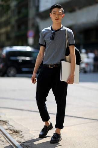 How to wear: black leather belt, black leather tassel loafers, black chinos, navy and white print crew-neck t-shirt