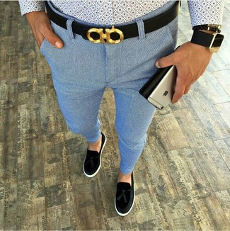 How to wear: black leather belt, black suede tassel loafers, light blue chinos, light blue print long sleeve shirt