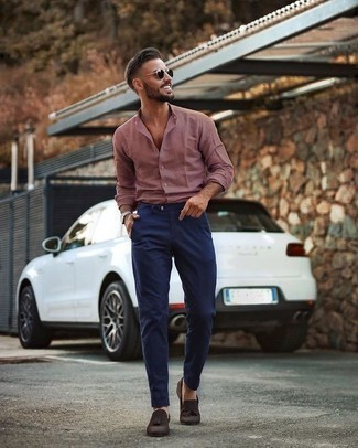 How to Wear Dark Brown Suede Tassel Loafers: Pair a pink long sleeve shirt with navy chinos to put together a day-to-day ensemble that's full of charisma and personality. Wondering how to complement your getup? Rock dark brown suede tassel loafers to bump it up.