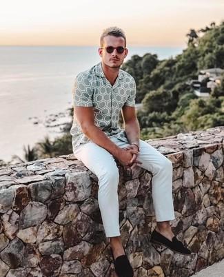 How to wear: dark brown sunglasses, black suede tassel loafers, white chinos, grey print short sleeve shirt